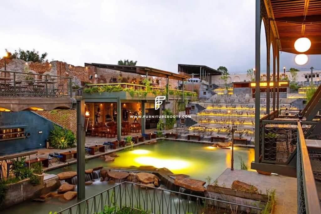 Proyecto de muebles de cervecería a medida por FurnitureRoots Byg Brewski Open Air Pub Bengaluru 1
