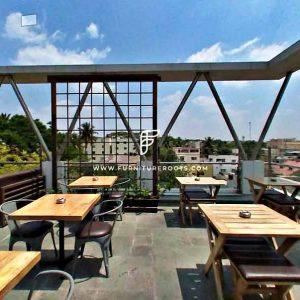 Proyecto de muebles de restaurante al aire libre a medida de FurnitureRoots Once Upon A Rooftop 1