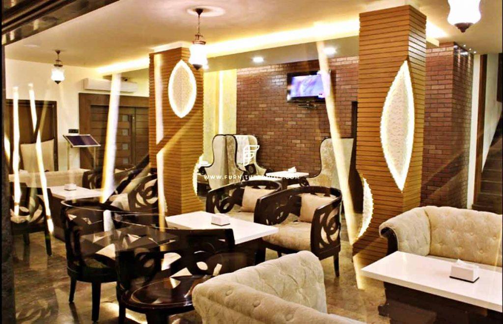 Muebles de restaurante a medida por FurnitureRoots De La Ville Indore 2