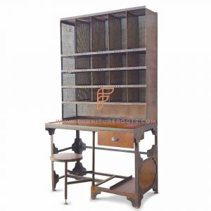 Prized Postman Hutch Desk