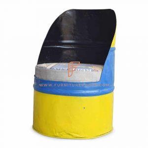 Старый барабан переработанный разноцветный стул
