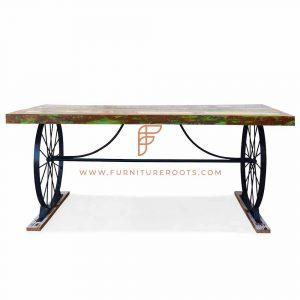 Mesa de jantar luxuosa com roda de metal