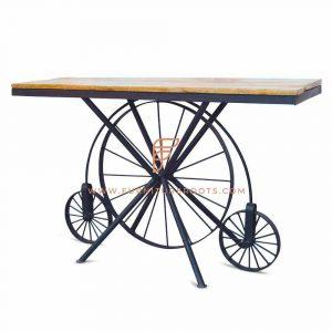 Superlative Wheel Table
