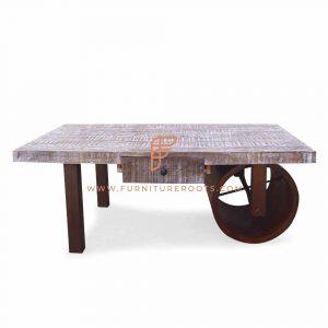 Moderne koffietafel op wieltjes