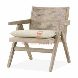 chaises en bois pliables avec une maille tissée de canne