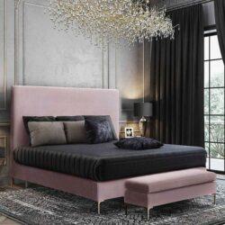 luxuriöses thematisches Hotelzimmer in samtigen Farben