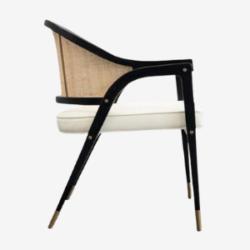 sedia hoffman con schienale in canna dal design contemporaneo