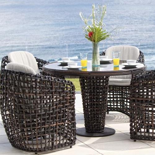 outdoor resort lawn dining set