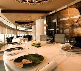 natural lighting at a fine dining restaurant