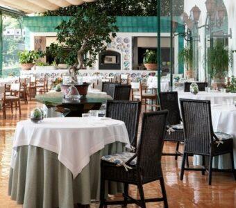 italian design fine dining table setup
