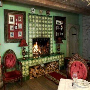 soviet-victorian inspired themed restaurant decoration
